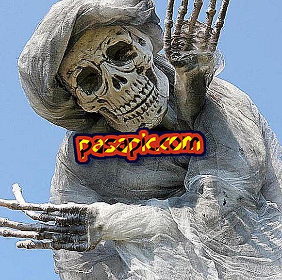 Hvordan spille mamma på Halloween