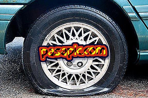 Làm thế nào để lái xe nếu tôi có một lốp xe bằng phẳng