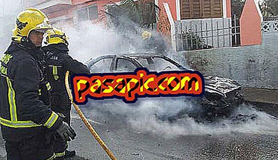 Cosa fare se la mia auto prende fuoco