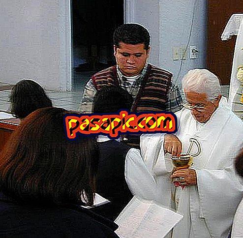 Come funziona la prima messa di comunione