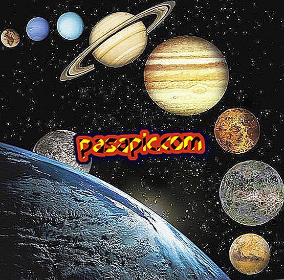 Kāda ir atšķirība starp astronomiju un astroloģiju