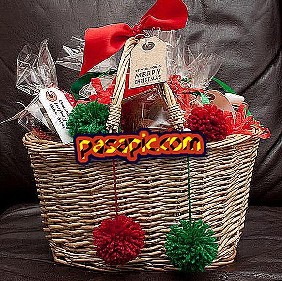Kako narediti ekonomično božično košarico