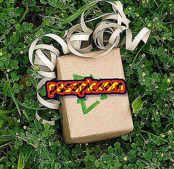 كيفية تزيين مع إعادة التدوير في عيد الميلاد