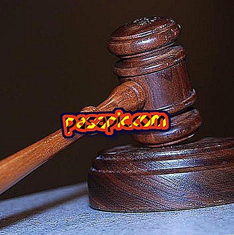 Come posso richiedere i debiti senza un avvocato o un avvocato?