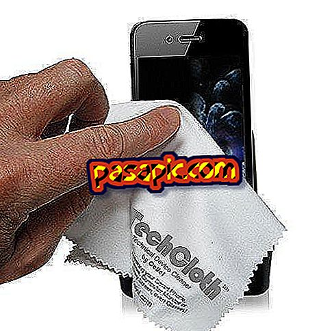 Jak wyczyścić ekran dotykowy