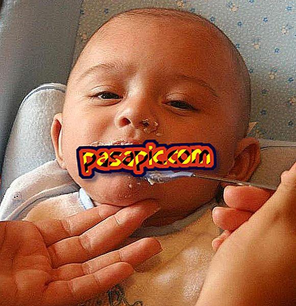 Come nutrire il mio bambino con un cucchiaio - sii padre e madre
