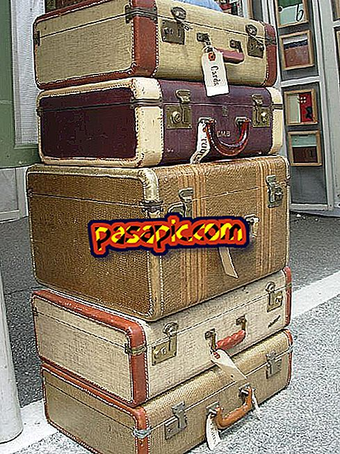 How to choose a travel suitcase - travels