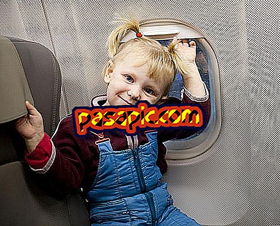 How to entertain children on the plane - travels